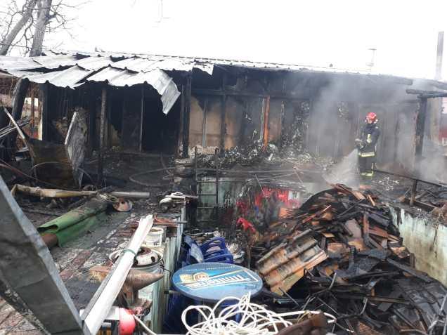 incendiu str Bujorilor (1)