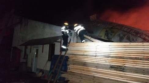 incendiu hala lemn (1)