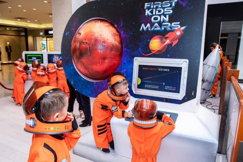 first kids on mars (1)