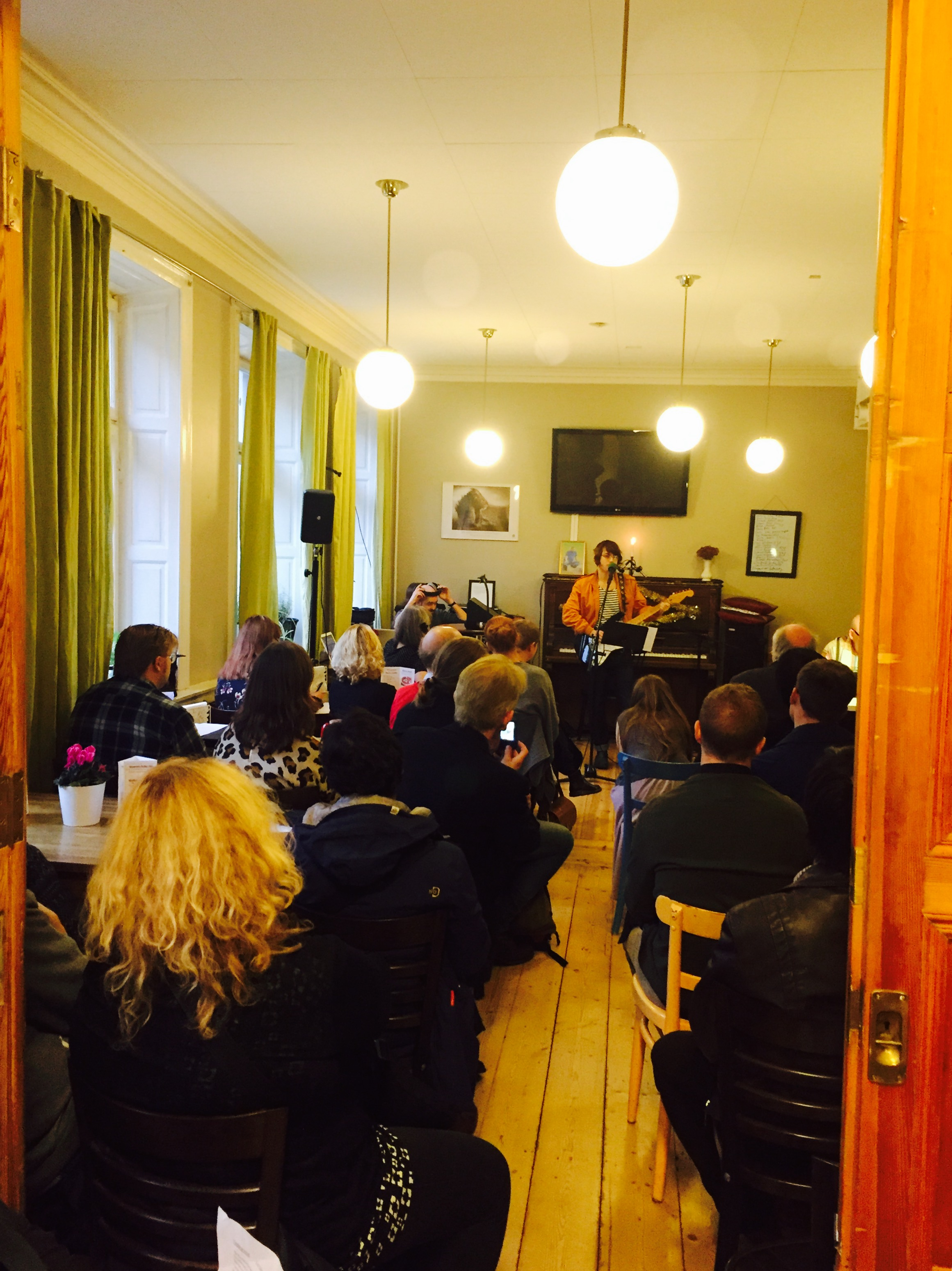 Radio Totalnormal – Livesändning 5 november 2015 från Fountain House – poesispecial