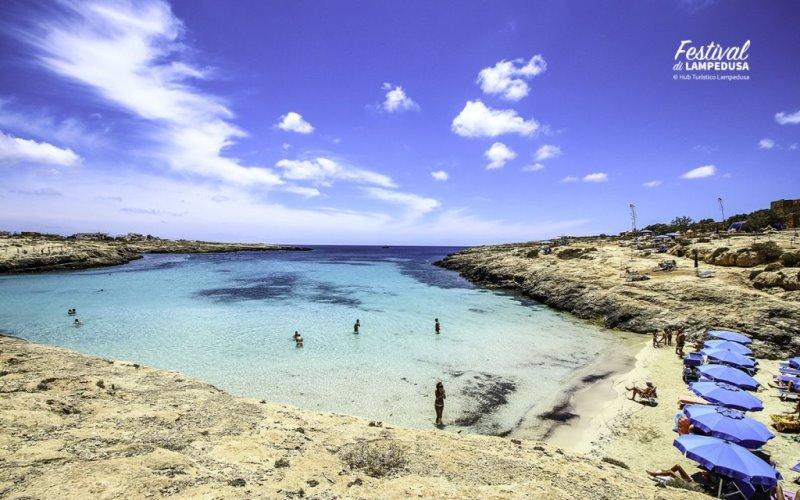 """Lampedusa per la Pace: adesioni alla fiaccolata di domani sera, """"accendiamo una luce di speranza"""""""