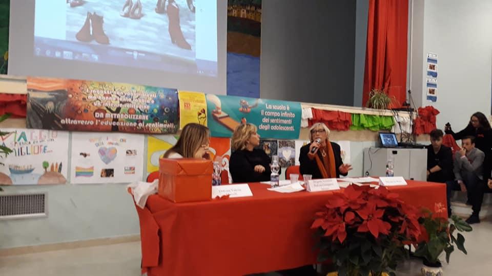 """Francofonte. L'associazione '8 Marzo' e la scuola """"insieme contro la violenza alle donne"""""""