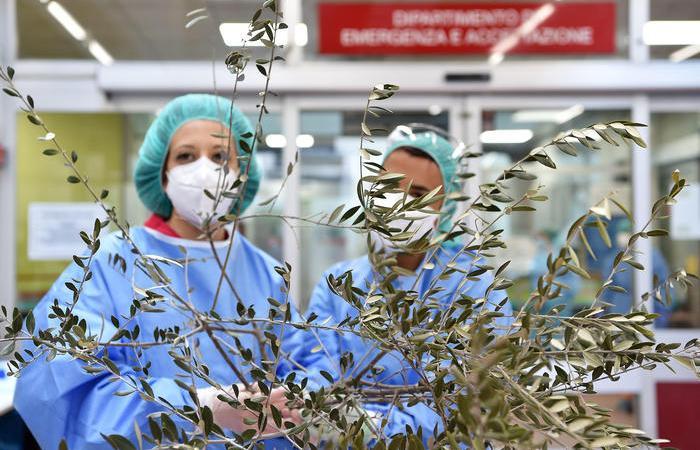 Lentini, Coronavirus: Due contagi all'ospedale, i due sanitari residenti a Carlentini, scattano i controlli a tappeto. Il terzo contagio è un collaboratore scolastico.