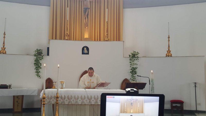 Carlentini, Chiesa Santa Tecla, oggi,  alle 19 la messa di Pentecoste in diretta sulla pagina facebook di Radio Una Voce Vicina