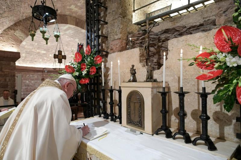 """""""Fratelli tutti"""", ecco il testo completo della nuova Enciclica di Papa Francesco"""