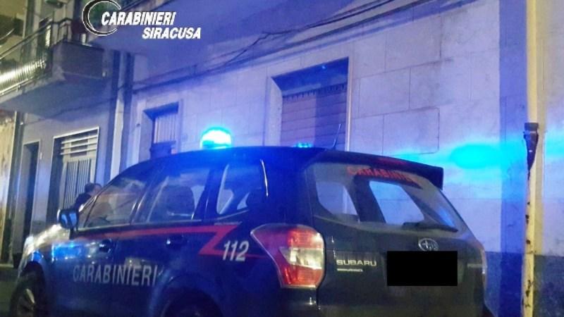 Carlentini, maltrattamenti in famiglia, i carabinieri arrestano un uomo.