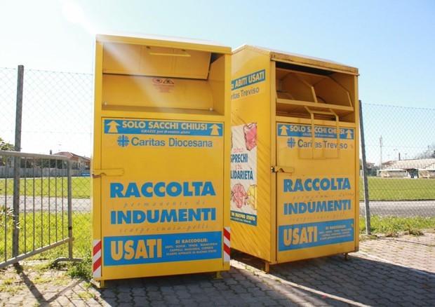 Francofonte, Il sindaco Daniele Lentini fa rimuovere i cassonetti per la raccolta indumenti usati