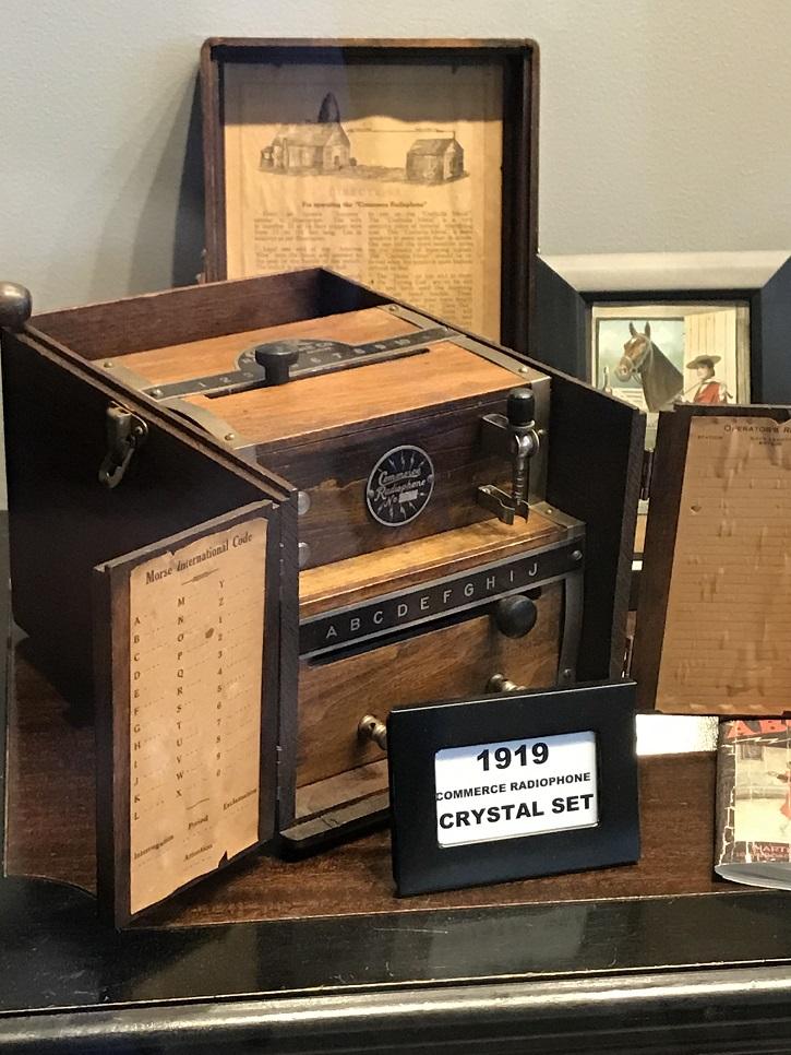 WKDZ early radios display