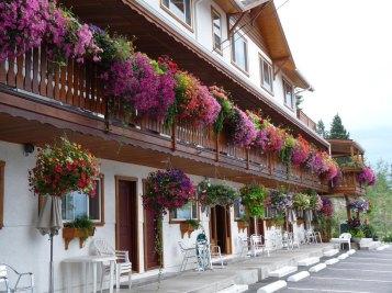 The-Gateway-Radium-Hot-Springs-Outside-hotel