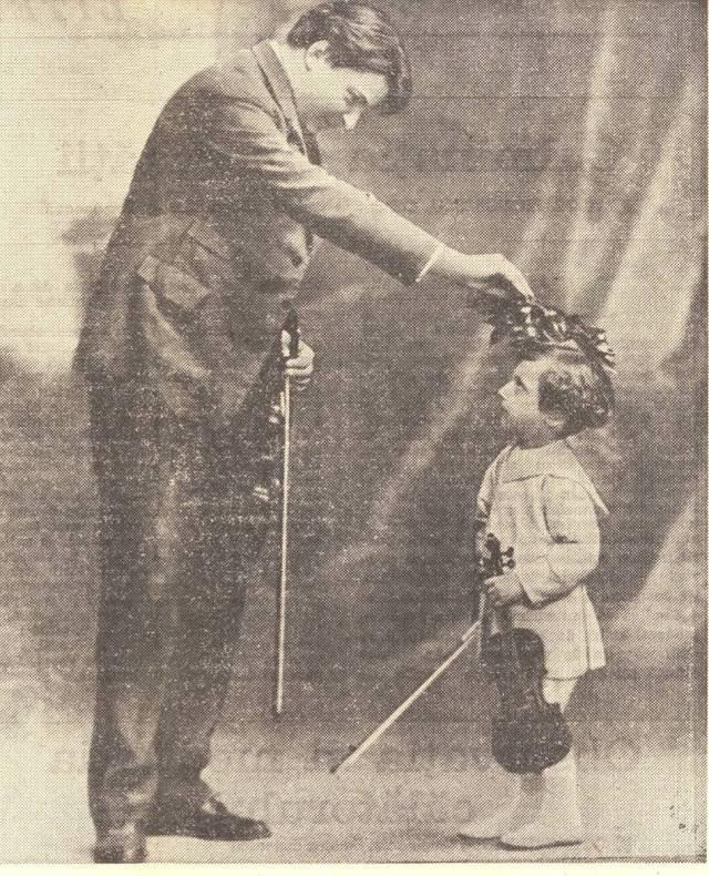 Micul Lipatti alături de naşul său, George Enescu – 1922