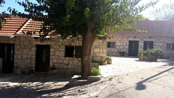 Dalmatinsko selo Škopljanci
