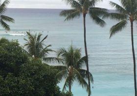 Good morning from Waikiki Beach! Waiting for Yoga cos it's on Island Time #waikiki #oahu #hawaii [instagram]
