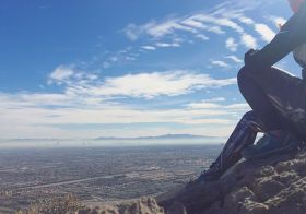 On the last day of 2017, I went for a quick run/hike up Hunter Mountain. As I looked to the horizon, I realised… I was only at the saddle and had a ways to go to reach the peak. Then I got hungry, so I turned around and ran back down. The end lol. #trailrunningvegas #trailjunkie [instagram]
