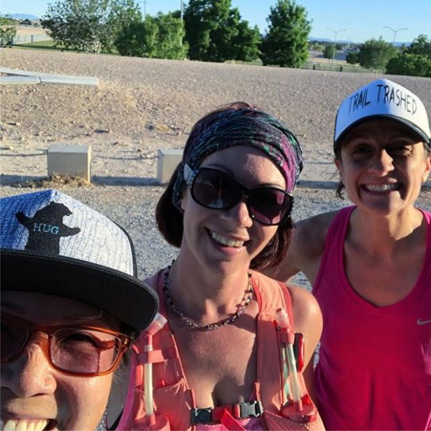 Trail runners on the road wot?! Lol it's true. Every Tuesday, @coachjennay and @troydle via @redrockrunningco switch out their trail shoes and lead us on sidewalks, bridges, asphalt in the NW...