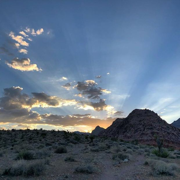 Calico Basin sunset last Monday. It was 106°F at the start of our trail run, but we were in the shade after a mile, so it only felt like 101° 🤣 #tbt #trailrunningvegas