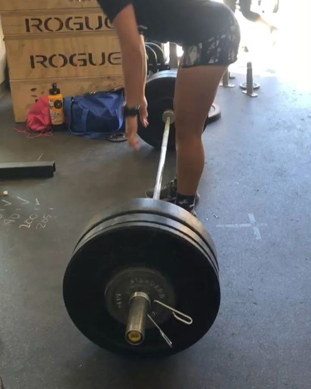 Not everyday is a PR day and that's ok! I attempted 205lbs for the deadlift today and barely got it off the ground lol. The 200# lift (current best) before that wasn't too bad, though, so I just have to try again next time.  I did PR my Diane time by a minute (same scaled weight 130#) Had to write that down on the PR wall 🤣#houseofhustleandmuscle #crossfitgirls #womenwholift #deads