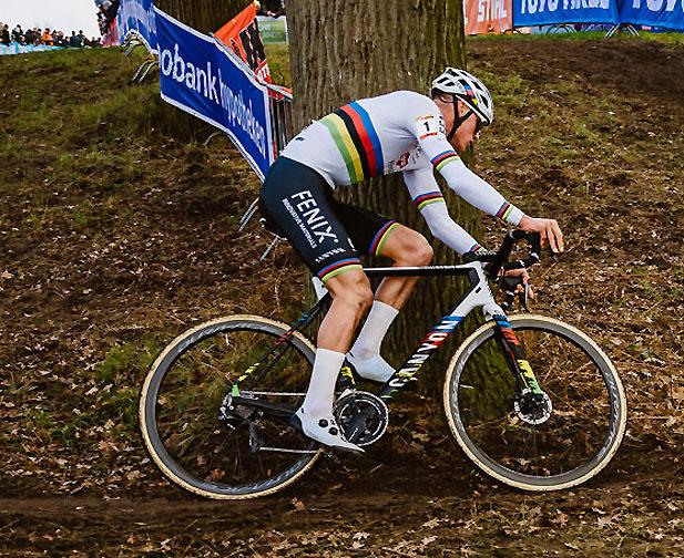 das cyclocross bike von mathieu van der