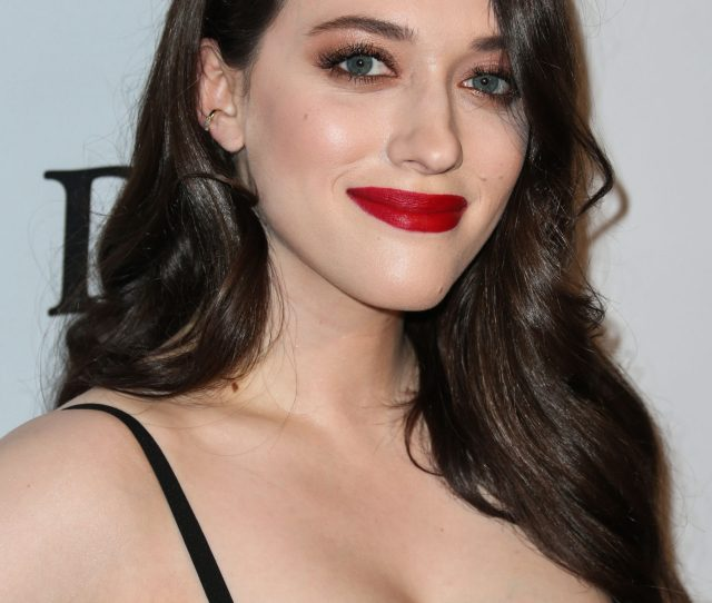 Kat Dennings Pics Net Worth Career And Biography Radvirals