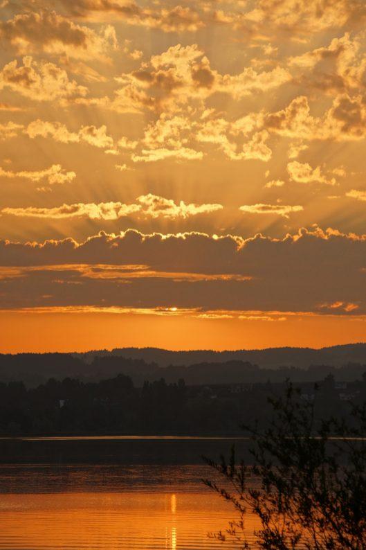 Sonnenaufgang in den Wolken