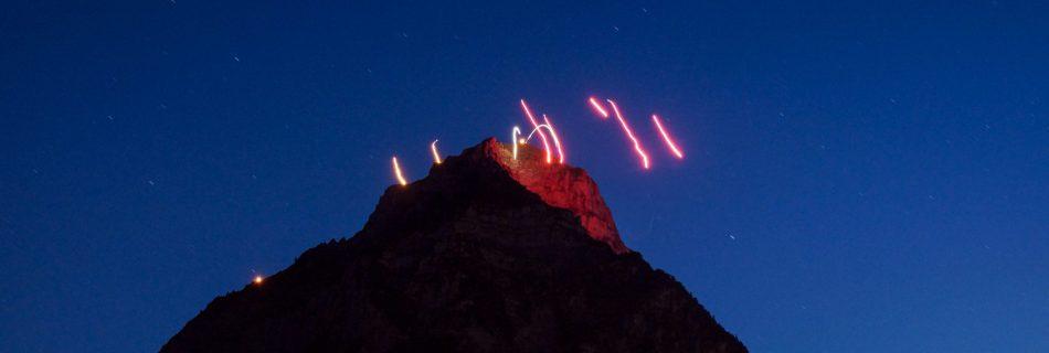Höhenfeuer mit Feuerwerk ab dem Glärnisch