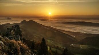 Die Sonne über dem Nebelmeer