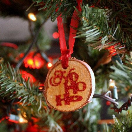 How to make your own rustic wood tag glitter Christmas ornaments - Rae Gun Ramblings