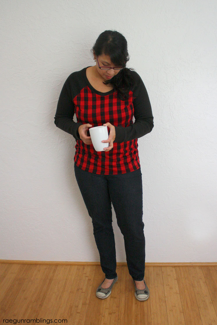 super easy DIY women's raglan shirt