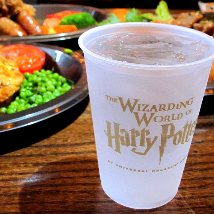 What to eat at the wizarding world of harry potter and universal orlando. Must keep this in mind for vacation planning