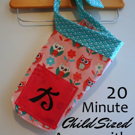 One of my favorite gifts for girls. And great fast tutorial for sewing beginners. Kid sized apron with free pattern