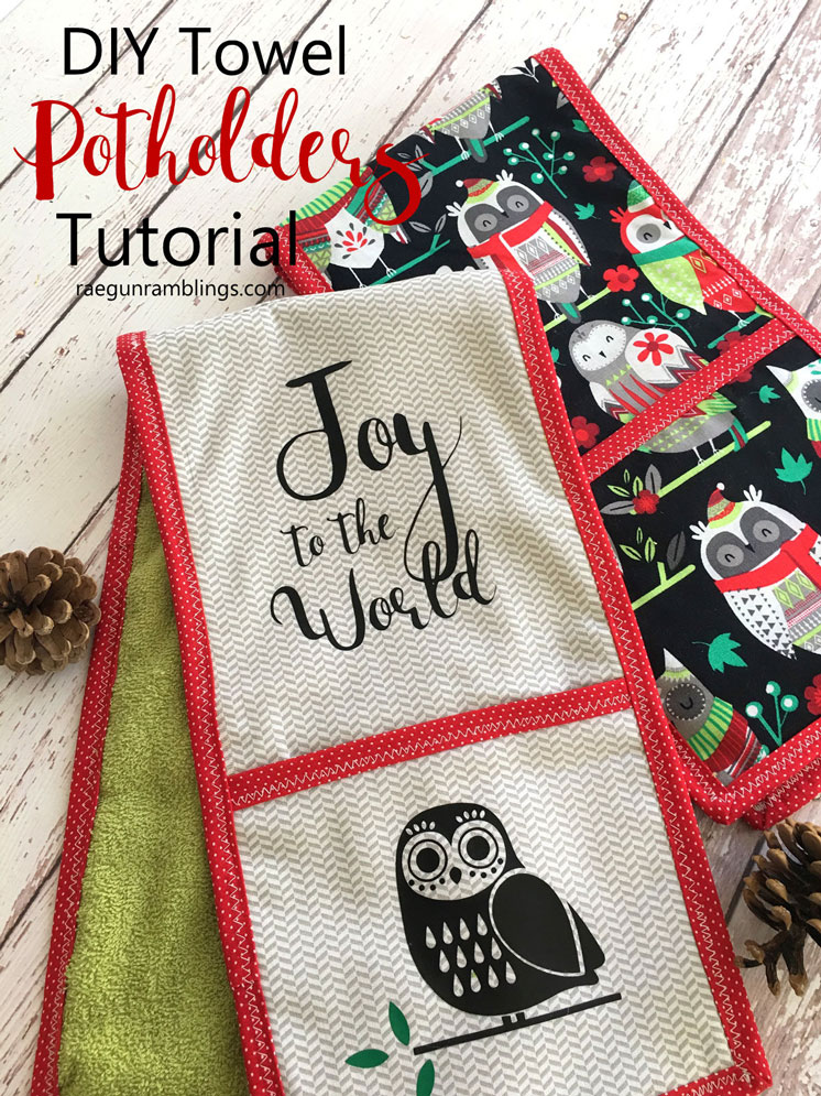 Hands down our favorite gift for foodies. Double potholders that function as kitchen towels. Free sewing pattern and easy tutorial