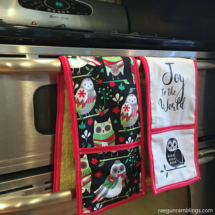 Everyone raves over these easy double potholder towels. Easy DIY sewing tutorial
