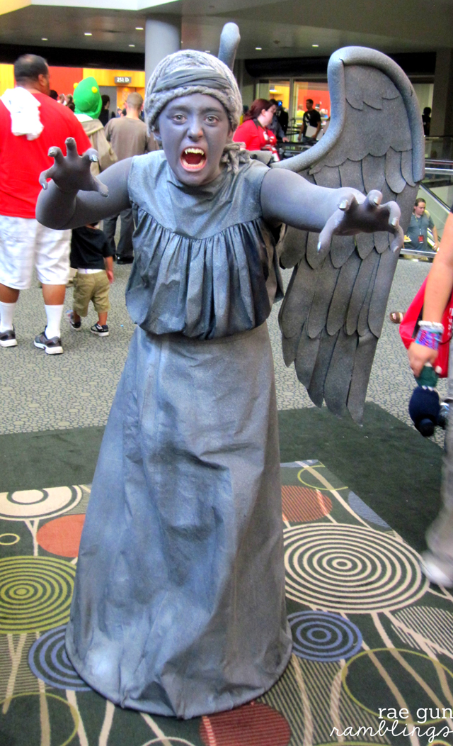 Amazing Doctor Who weeping angel cosplay and comic con photo etiquette