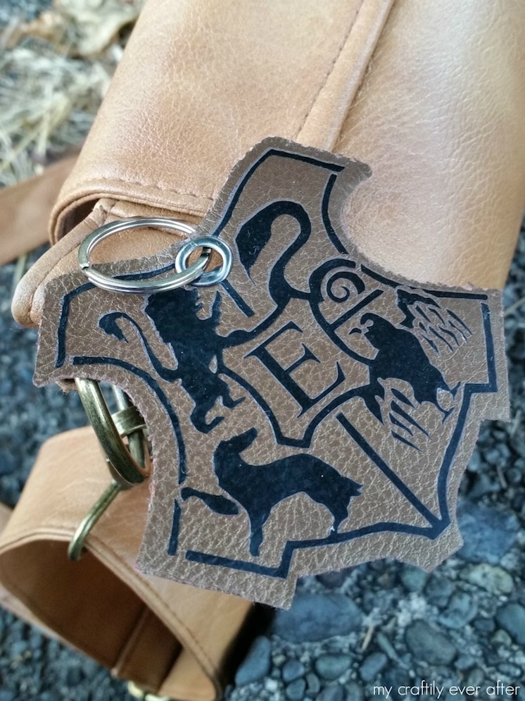 DIY harry-potter-backpack-tag-with-cricut