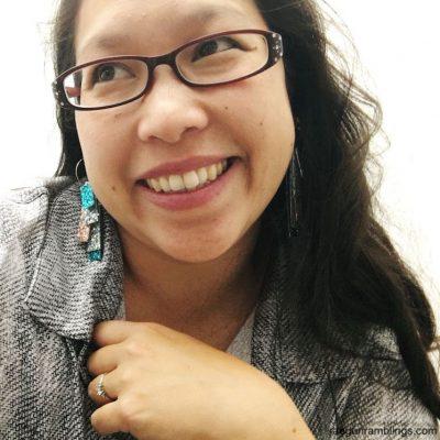 5 Minute DIY Glitter Strip Earrings