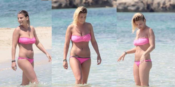 Emma Marrone sola e sexy a Formentera con il bikini rosa
