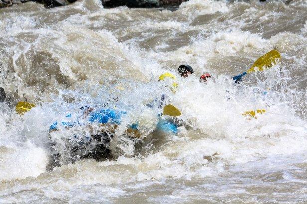 HOA_rafting_hokkaido_mukawa_saru_river_1000px-4031