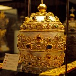 Papal Tiara in silver, gold, gems, pearls