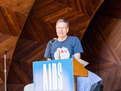 Dr. Walker receives Heroes in Action award