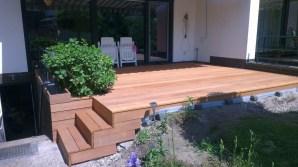 Terrasse mit Pflanzkasten