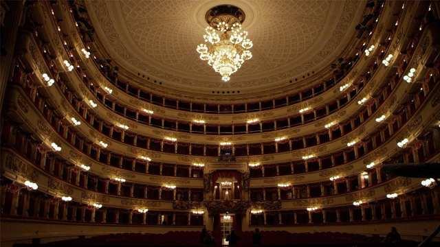"""Anticipazioni per """"Omaggio al Balletto"""" del 10 gennaio su Rai 5: """"Giselle  """"con Roberto Bolle dalla Scala di Milano"""