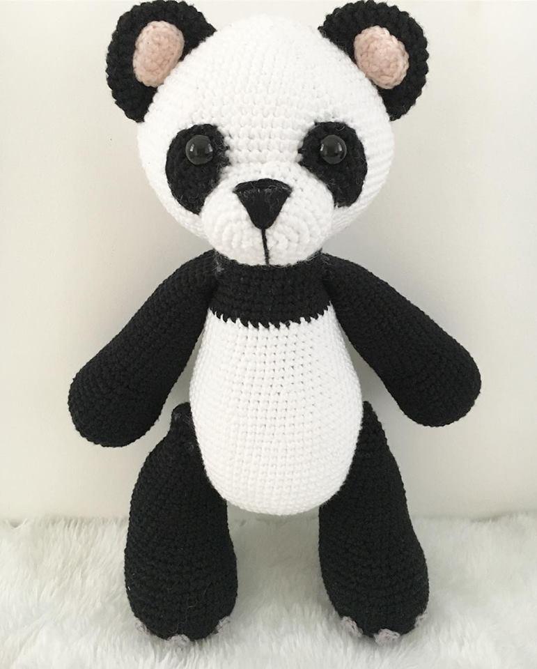 Urso Panda Receita de Amigurumi de Crochê por Little Bear Crochets | 960x771