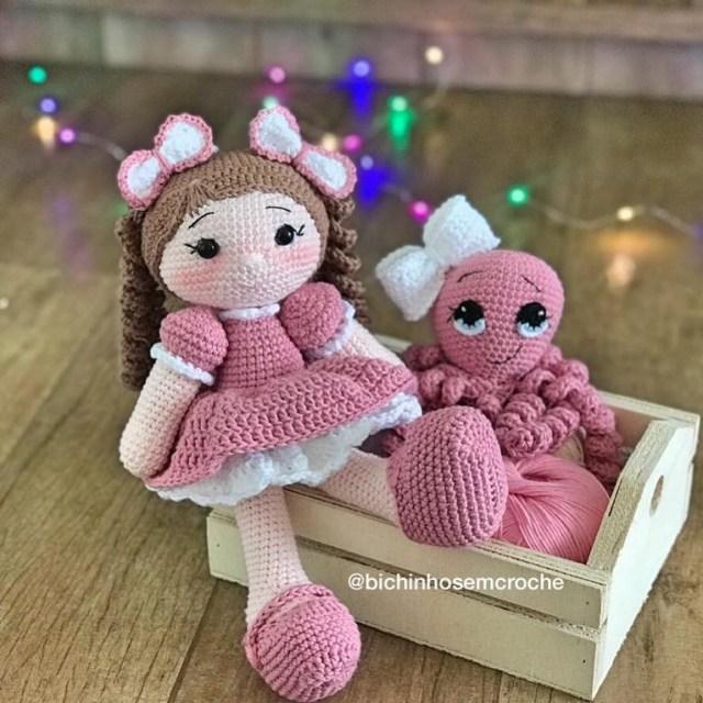 Amigurumi Boneca Aurora Lilas com polvo + Polvo Amigurumi Raiane Barros