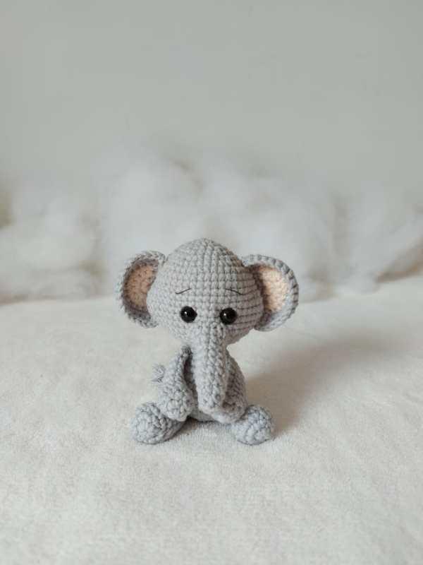 Elefante Amigurumi Rosi Barros Frente