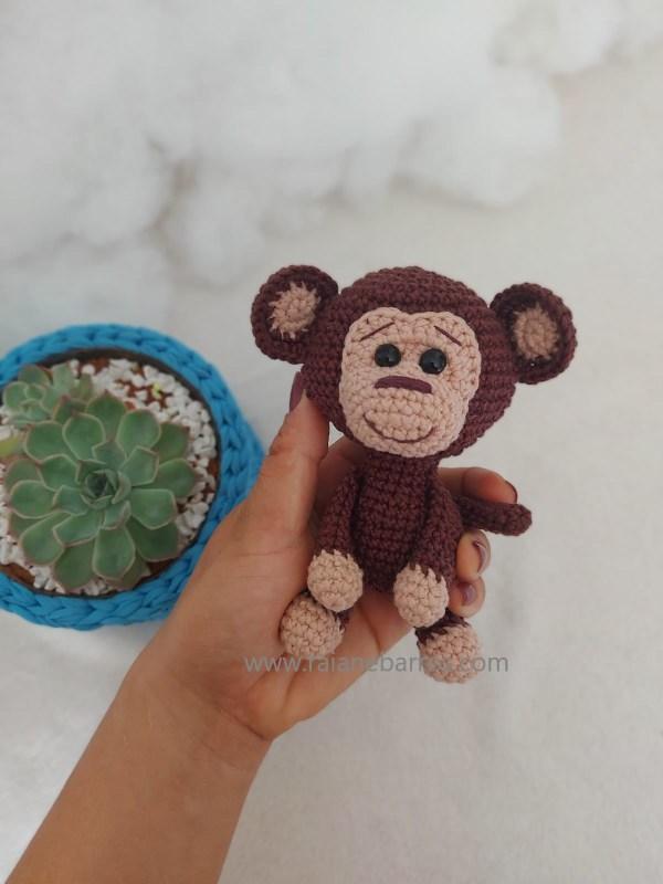 Macaco Amigurumi Baby Na Mão Rosi Barros