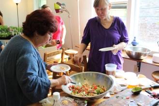 Serving salad