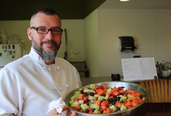 Chef Enrique Pérez displaying his delicious fruit salad at the first workshop in the Common Ground series.