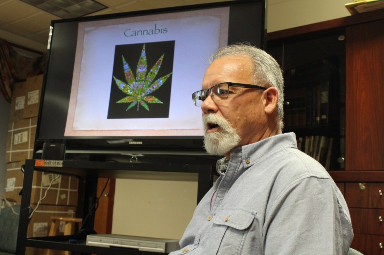 Francisco G. Gómez presents on the medicinal qualities of cannabis.