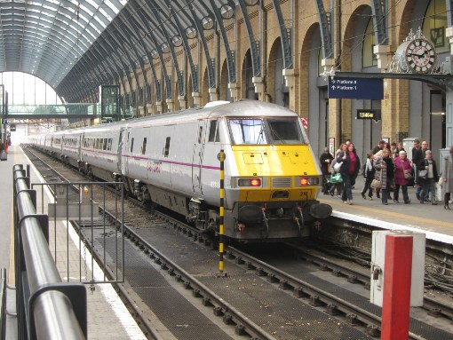 Rail travel uk