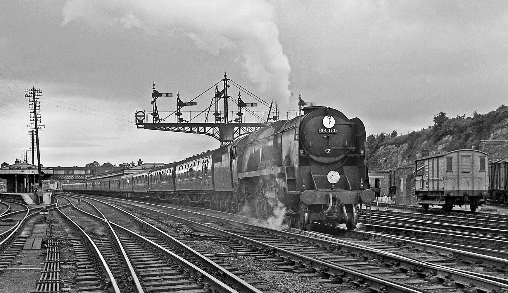 Bulleid Pacific - 34053 - Sidmouth locomotive - Yeovil