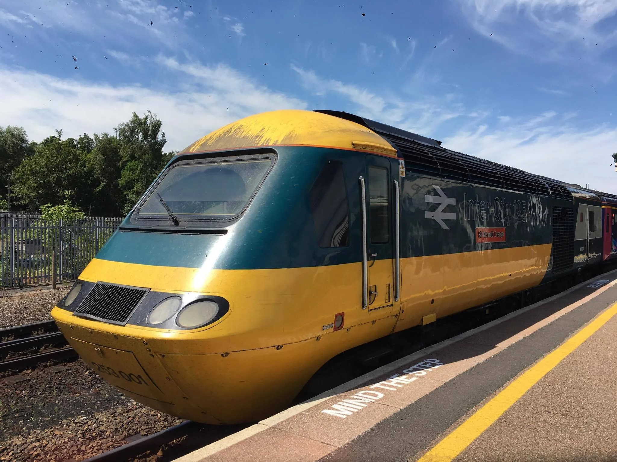 HST in the original blue and yellow livery